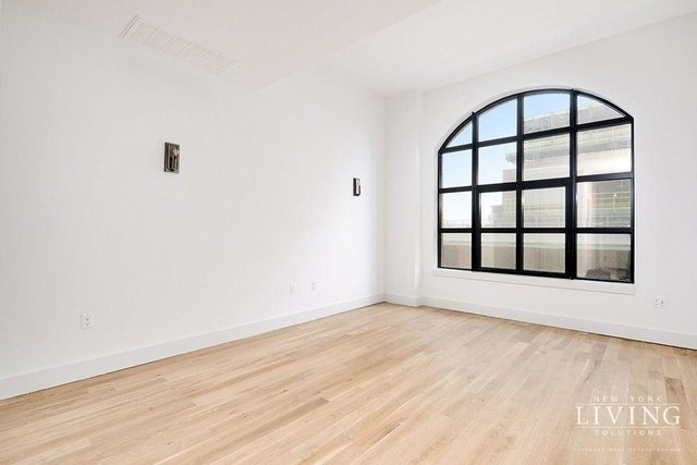 2 Bedrooms, Long Island City Rental in NYC for $3,300 - Photo 2