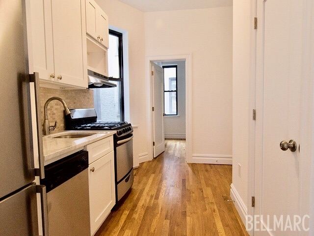 2 Bedrooms, USA Rental in  for $2,295 - Photo 2