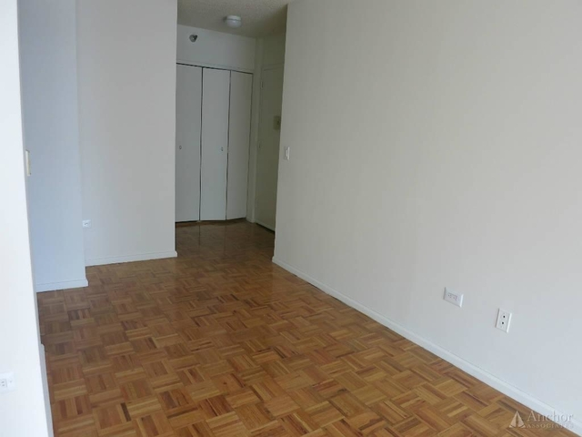 Studio, Lincoln Square Rental in NYC for $2,100 - Photo 2