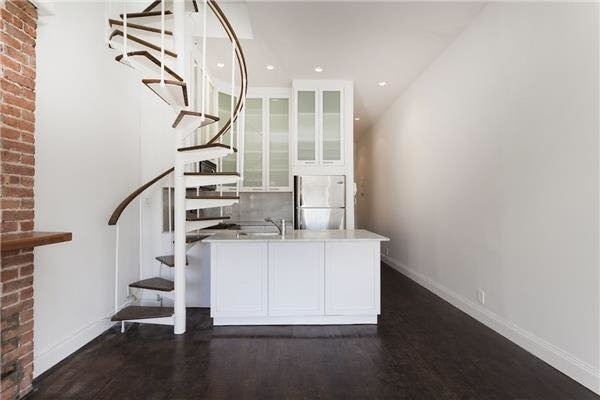 Room, Bowery Rental in NYC for $2,400 - Photo 2