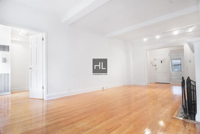 2 Bedrooms, Theater District Rental in NYC for $5,199 - Photo 2