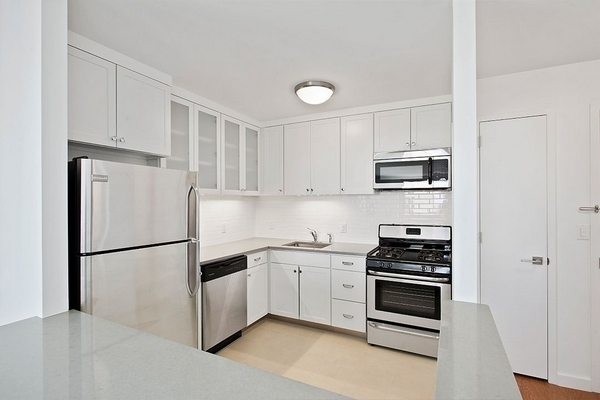 1 Bedroom, Lincoln Square Rental in NYC for $3,698 - Photo 2