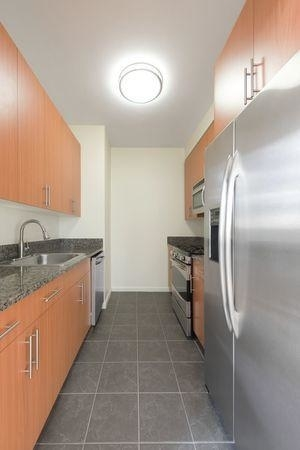 2 Bedrooms, Chelsea Rental in NYC for $6,272 - Photo 2