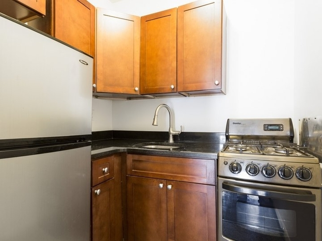 Studio, Lenox Hill Rental in NYC for $2,595 - Photo 2