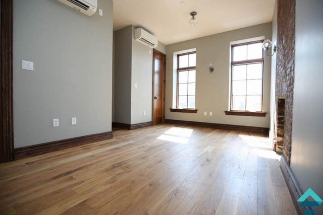 2 Bedrooms, Williamsburg Rental in NYC for $3,599 - Photo 2