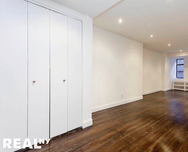 3 Bedrooms, Greenwich Village Rental in NYC for $5,568 - Photo 1