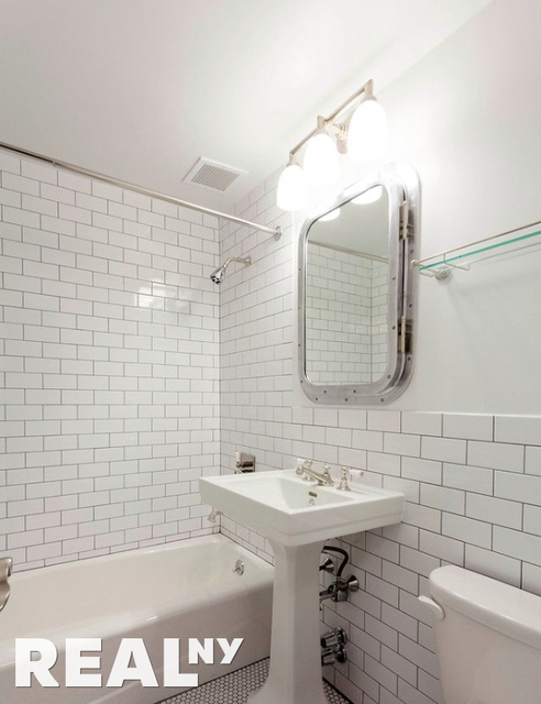 3 Bedrooms, Greenwich Village Rental in NYC for $5,568 - Photo 2
