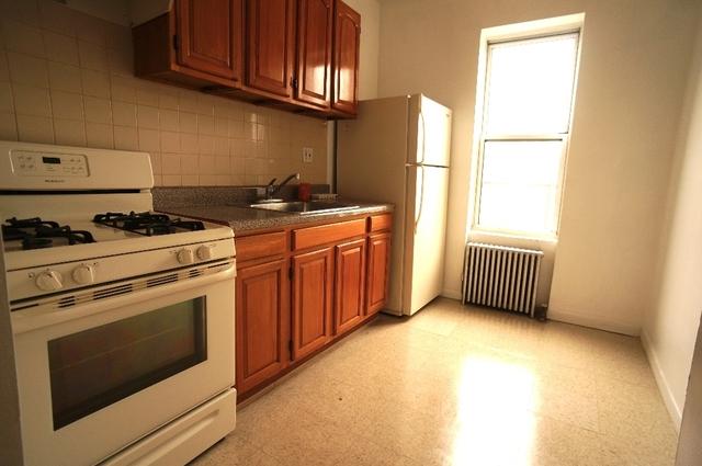 2 Bedrooms, Ridgewood Rental in NYC for $2,000 - Photo 2