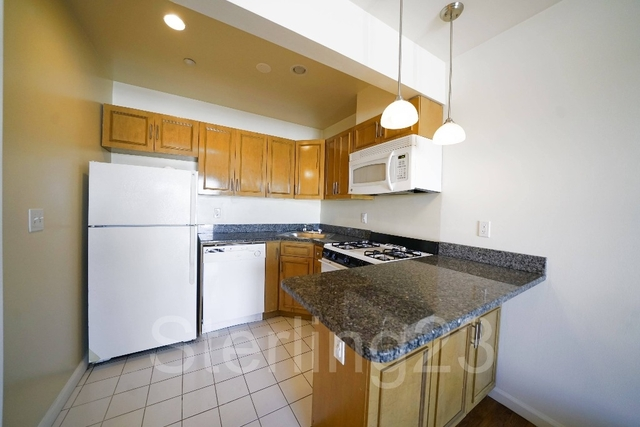 1 Bedroom, Long Island City Rental in NYC for $2,200 - Photo 2