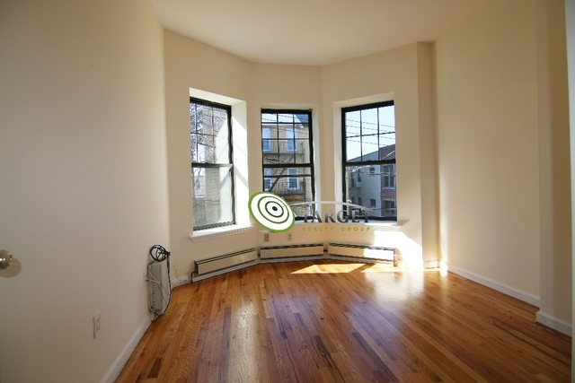 2 Bedrooms, Glendale Rental in NYC for $2,200 - Photo 1
