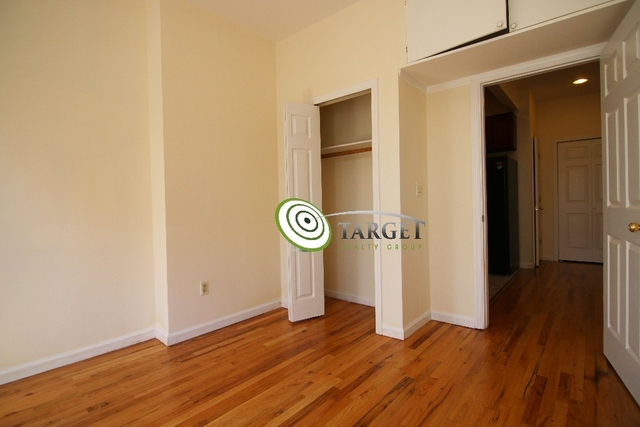 2 Bedrooms, Glendale Rental in NYC for $2,200 - Photo 2