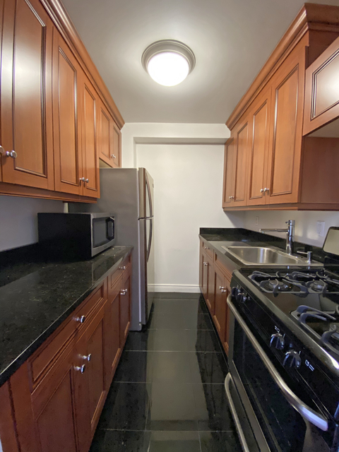 Studio, Hell's Kitchen Rental in NYC for $1,820 - Photo 1