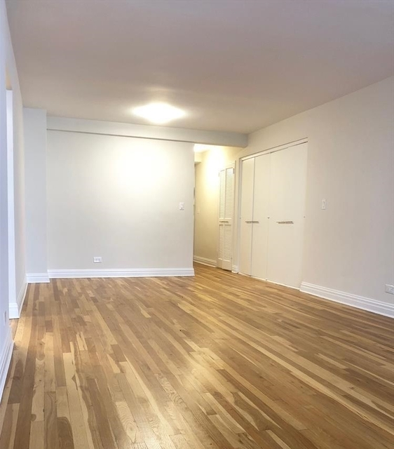 2 Bedrooms, West Village Rental in NYC for $5,266 - Photo 2