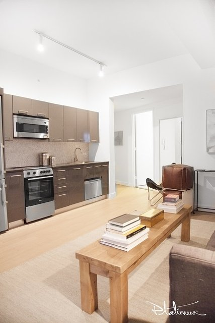 2 Bedrooms, Financial District Rental in NYC for $4,785 - Photo 2