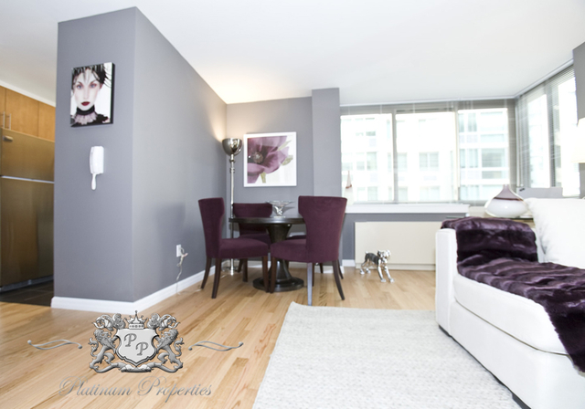 3 Bedrooms, Financial District Rental in NYC for $6,597 - Photo 2