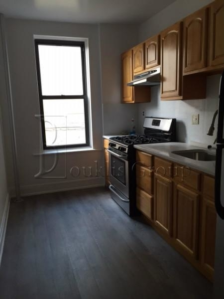 3BR at 38th St - Photo 1