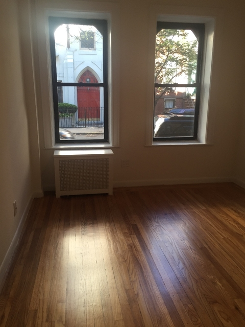 2 Bedrooms, Sutton Place Rental in NYC for $3,200 - Photo 2