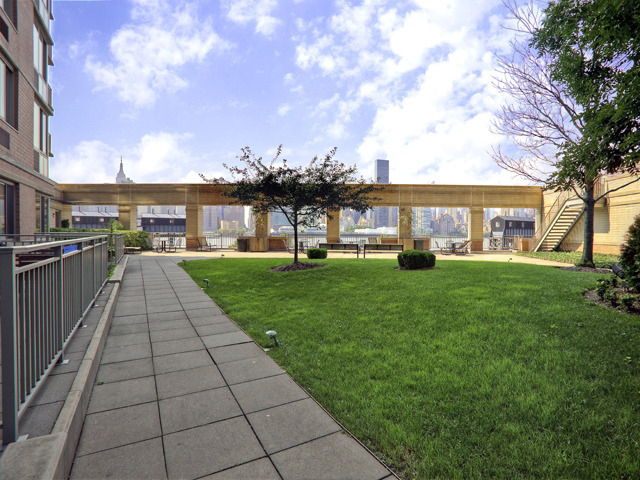 3 Bedrooms, Hunters Point Rental in NYC for $4,340 - Photo 1