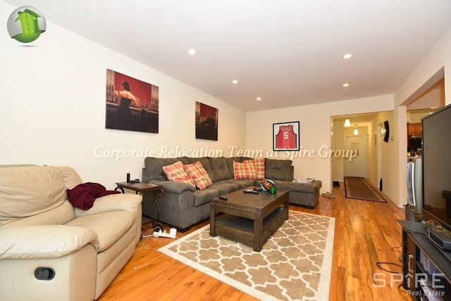 ... Astoria Rental In NYC For $4,200   Photo 2