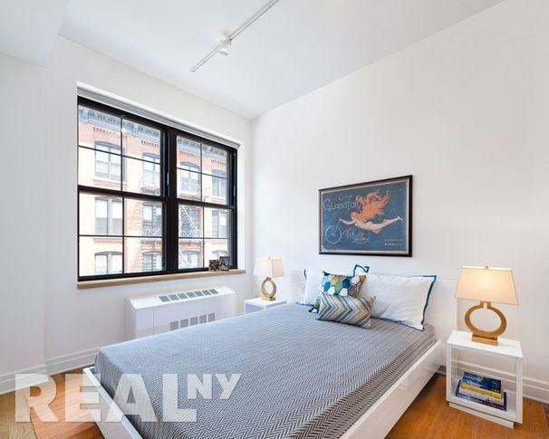 2 Bedrooms, DUMBO Rental in NYC for $3,715 - Photo 2