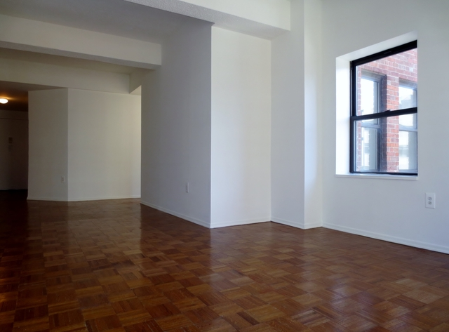 3 Bedrooms, Chelsea Rental in NYC for $5,050 - Photo 2