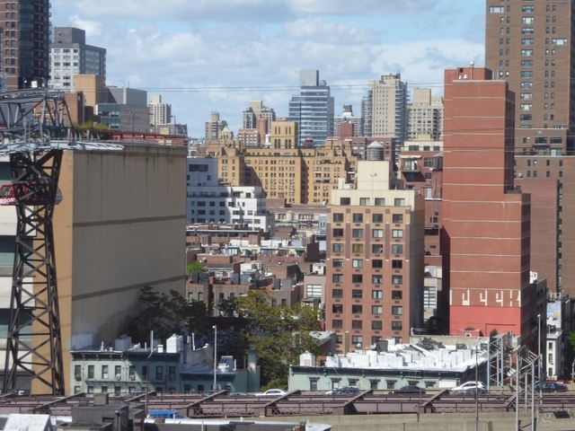 2 Bedrooms, Sutton Place Rental in NYC for $5,450 - Photo 2