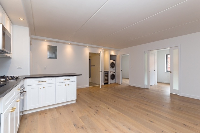 3 Bedrooms, Two Bridges Rental in NYC for $6,118 - Photo 1