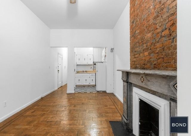 1 Bedroom, East Village Rental in NYC for $2,475 - Photo 2