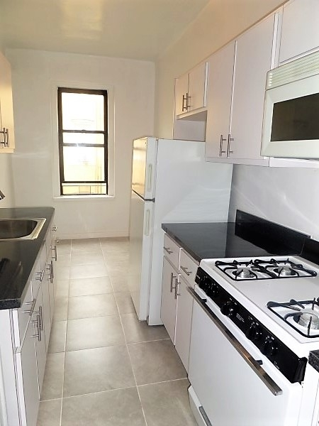 2 Bedrooms, Flatbush Rental in NYC for $2,175 - Photo 1