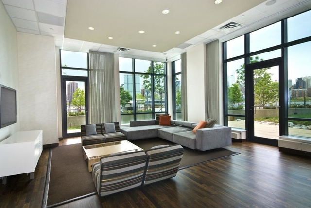 1 Bedroom, Hunters Point Rental in NYC for $3,025 - Photo 1