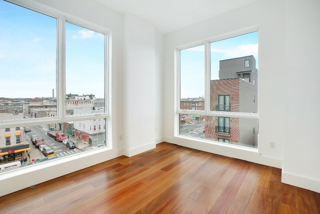 2 Bedrooms, Greenpoint Rental in NYC for $3,099 - Photo 2