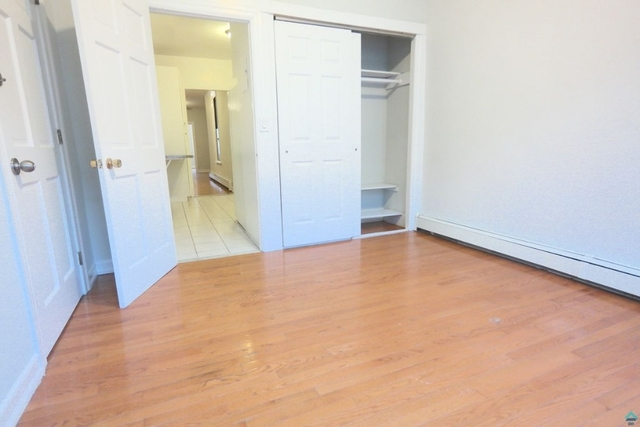 2 Bedrooms, Ridgewood Rental in NYC for $2,199 - Photo 2