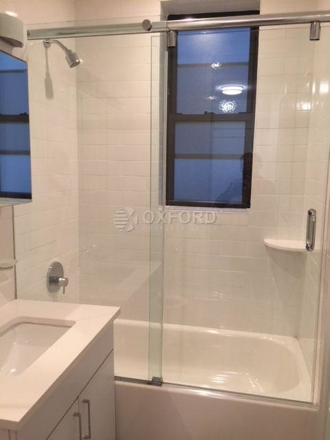 2 Bedrooms, Upper East Side Rental in NYC for $5,000 - Photo 2