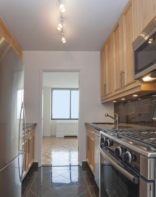 1 Bedroom, Lincoln Square Rental in NYC for $4,620 - Photo 2
