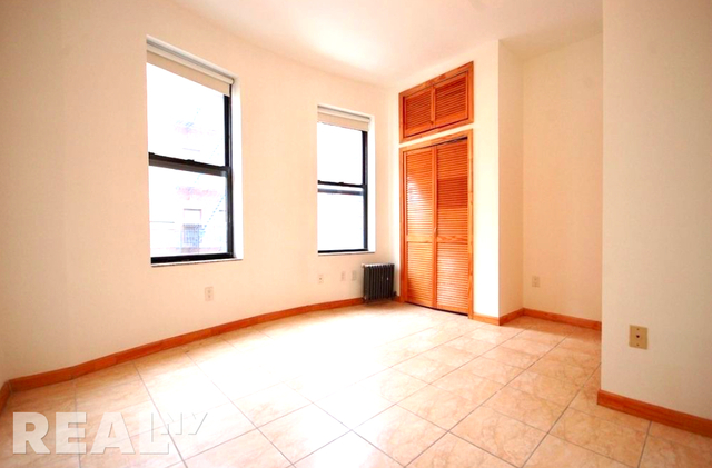 3 Bedrooms, Two Bridges Rental in NYC for $3,700 - Photo 2