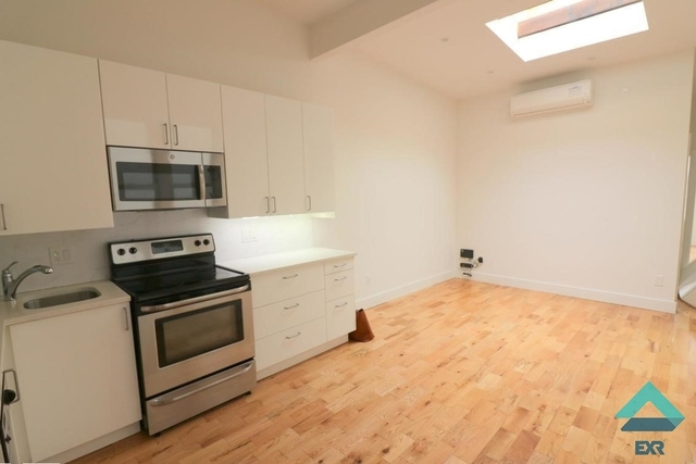 4 Bedrooms, Greenpoint Rental in NYC for $4,195 - Photo 2
