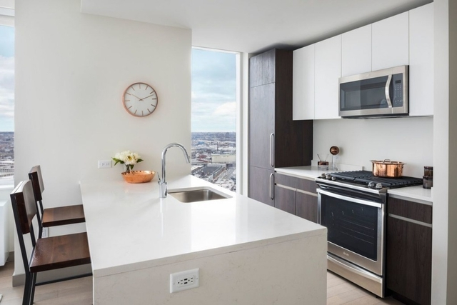 Studio, Long Island City Rental in NYC for $2,465 - Photo 2