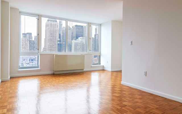 Studio, Hell's Kitchen Rental in NYC for $2,075 - Photo 1