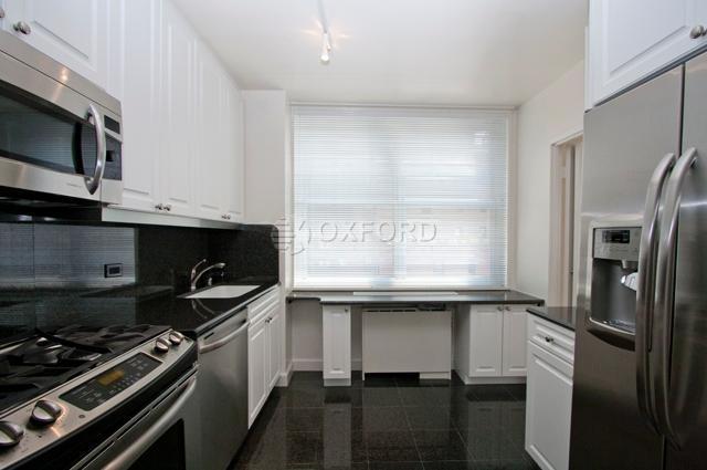 4 Bedrooms, Midtown East Rental in NYC for $9,195 - Photo 2