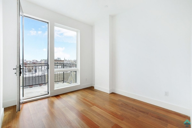 3 Bedrooms, Greenpoint Rental in NYC for $4,210 - Photo 1