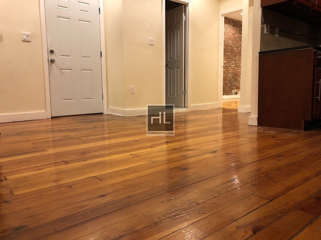 4 Bedrooms, Ocean Hill Rental in NYC for $2,500 - Photo 2