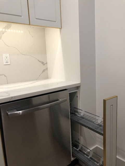 1 Bedroom, Greenwood Heights Rental in NYC for $2,850 - Photo 2