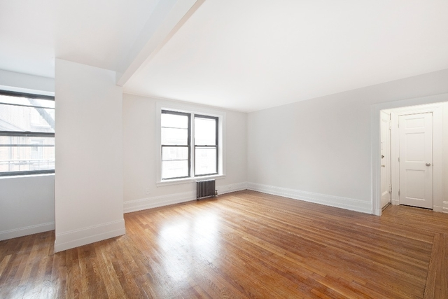 2 Bedrooms, Jackson Heights Rental in NYC for $2,677 - Photo 1