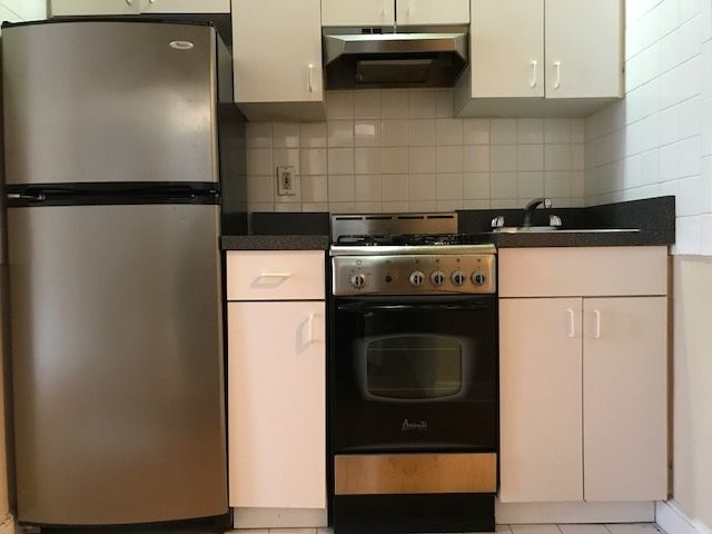 Studio, Yorkville Rental in NYC for $2,129 - Photo 2