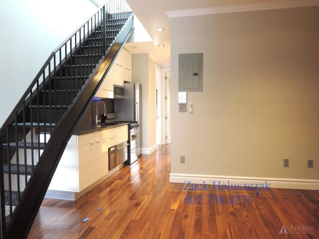 4 Bedrooms, Turtle Bay Rental in NYC for $3,995 - Photo 1