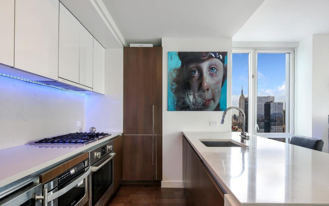 2 Bedrooms, Hell's Kitchen Rental in NYC for $7,775 - Photo 2