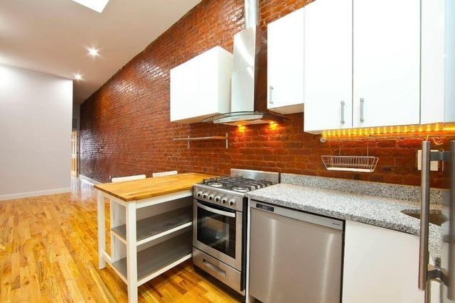 3 Bedrooms, Greenpoint Rental in NYC for $3,395 - Photo 2
