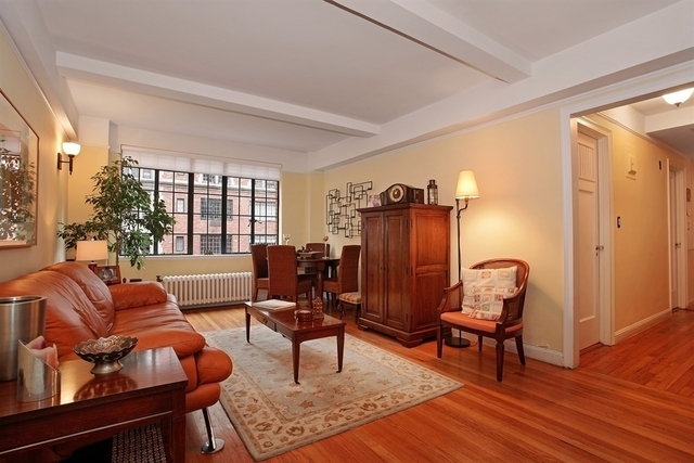 2 Bedrooms, Tudor City Rental in NYC for $3,500 - Photo 1