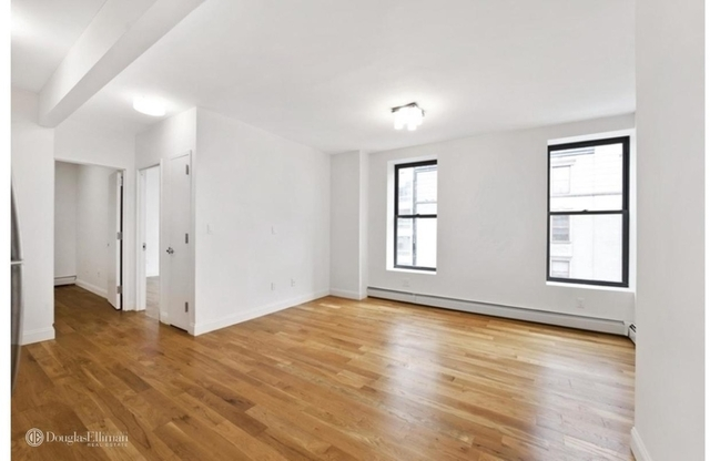 2 Bedrooms, Chelsea Rental in NYC for $4,690 - Photo 2