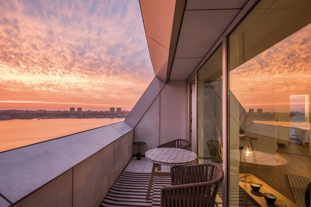 3 Bedrooms, Hell's Kitchen Rental in NYC for $8,715 - Photo 1